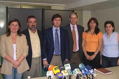 De izquierda a derecha, Espinosa, Cano, Góngora, Maldonado, Rubio y Úbeda, los ediles que vuelven al PP.
