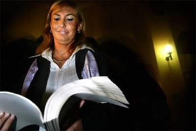Carme Fargas, condenada por malversación de fondos, ayer, tras la notificación de la sentencia.