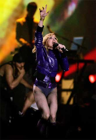 La cantante Madonna, anoche durante su actuación en Lisboa.