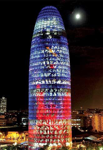 La Torre Agbar, sede de Aguas de Barcelona.