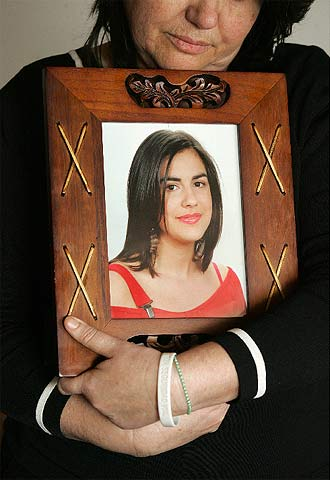 Flor Zapata, madre de Helena.