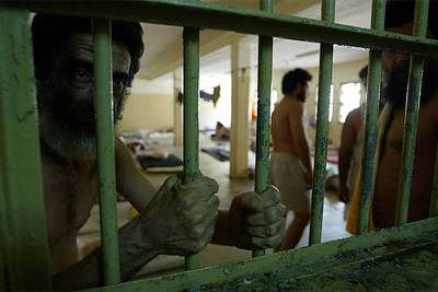 Presos iraquíes en la cárcel de Abu Ghraib.
