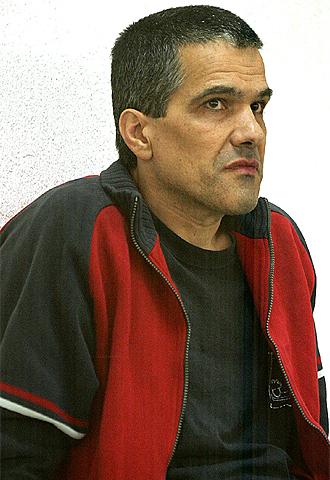 Juan Carlos Iglesias,  Gadafi.