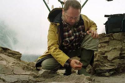 Eliseo Gil, en la excavación arqueológica de Iruña de Oca.