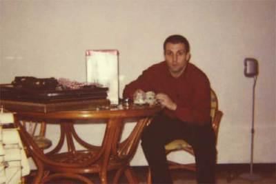 El ex minero José Emilio Suárez Trashorras, antes de ingresar en prisión, en una foto familiar.
