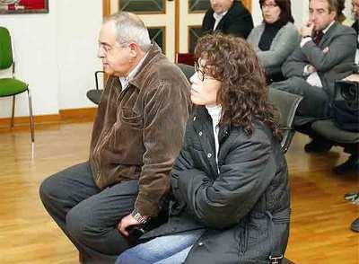 Águeda García y José Antonio Hernández, propietaria y responsable comercial, ayer, en el juicio.
