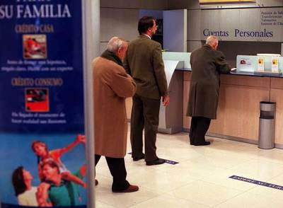 El horario bancario empieza a moverse edici n impresa - Horario oficinas bbva madrid ...