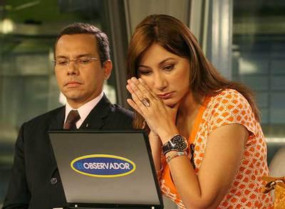 Miguel Ángel Rodríguez y Luisana Ríos, presentadores de RCTV, durante la emisión del informativo del miércoles.