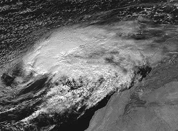 Tormenta tropical Delta sobre las islas Canarias en noviembre de 2005.
