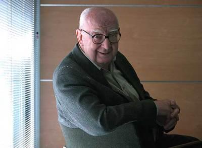 El director y autor José Luis Borau, nombrado ayer presidente de la SGAE.