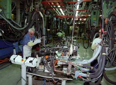 Cadena de montaje de la empresa automovilística Seat en Martorell (Barcelona).