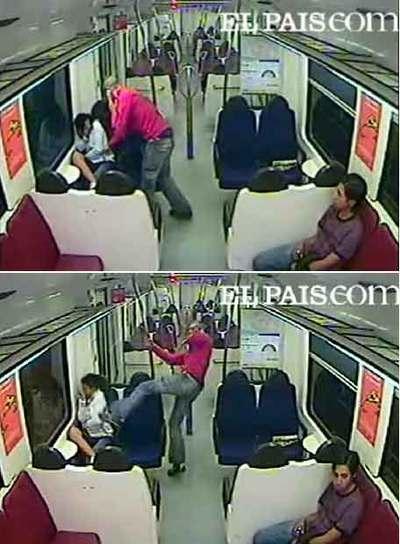 Dos instantes de la agresión, captada por una cámara del tren.