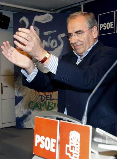 Alfonso Guerra, en el acto de homenaje a la victoria socialista.
