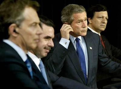 Tony Blair, José María Aznar, George W. Bush y José Manuel Durão Barroso en 2003, en las Azores.