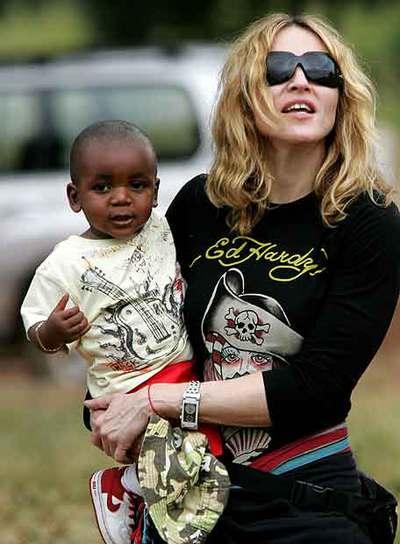Madonna y su nuevo hijo, David Banda.