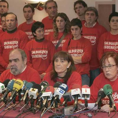 En primer término, Kepa Bereziartua, Mariné Pueyo y Arantza Urkaregi, en la rueda de prensa.