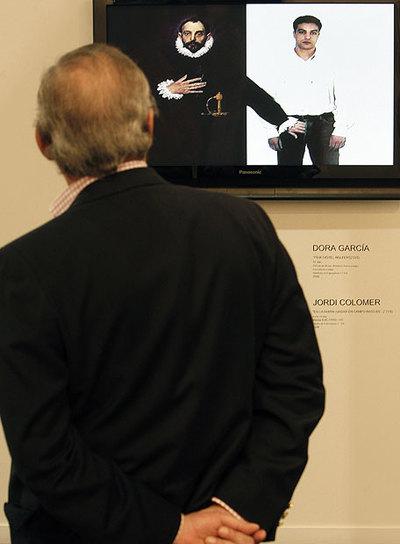 Videoinstalación  La mano siniestra,  de Valeriano López.