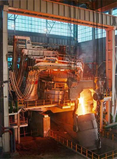 Horno eléctrico de una de las plantas de producción de acero inoxidable del grupo Acerinox.