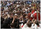 El Papa se reúne por sorpresa con las víctimas de abusos