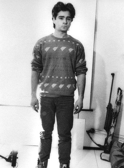Andrés Rabadán,  junto a la ballesta con la que mató a su padre, en una imagen de archivo.