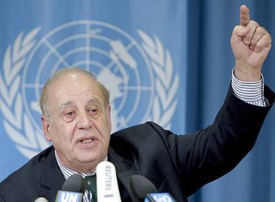 El relator de la ONU Jean Ziegler, durante la conferencia de prensa ayer en Ginebra.