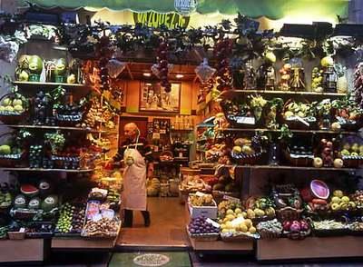 Los españoles comemos cada vez más fruta procedente del extranjero. En la imagen, Frutas Vázquez, en el barrio madrileño de Salamanca.