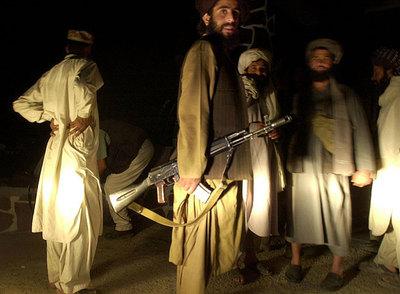 Milicianos talibanes en Jalalabad el 13 de octubre de 2001, un mes después de los atentados del 11-S en Estados Unidos.