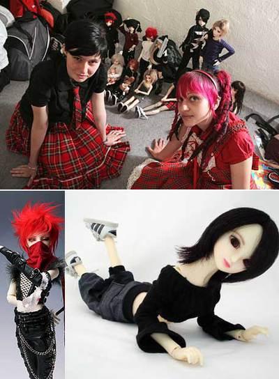 Arriba, dos adolescentes durante el Salón del Manga celebrado el mes pasado en Madrid. Abajo, dos  ball jointed dolls  (BJD), muñecas articuladas que, llegadas de Japón, Corea y China, hacen furor en Occidente.
