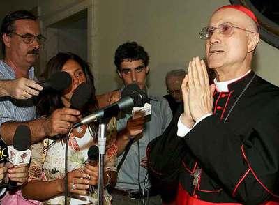 El cardenal Tarcisio Bertone, secretario de Estado del Vaticano.