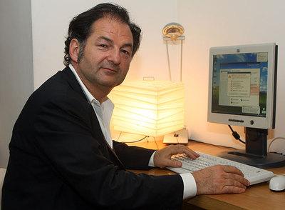 Denis Olivennes asesora a Nicolas Sarkozy en el combate contra las descargas en Internet.