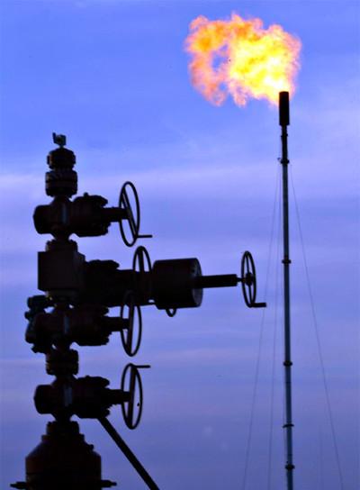 Controlador de flujo en una explotación de petróleo y gas natural en Liberty County, en las cercanías de la ciudad tejana de Houston.