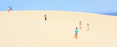 Dunas de Corralejo, al norte de Fuerteventura, uno de los espacios naturales más sorprendentes de Canarias.
