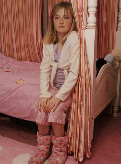 Hannah Jones tiene 13 años y padece leucemia. Ha rechazado un transplante de eficacia dudosa. Prefiere morir en casa.