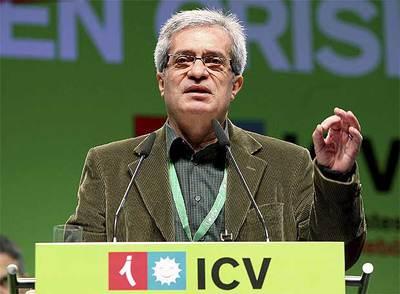 Joan Saura, líder de Iniciativa, en su discurso de ayer en la asamblea de Sabadell.