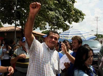 Julio César Reyes, en una imagen del 15 de noviembre, en plena campaña para arrebatarle la goberanción de Barinas a los Chávez.
