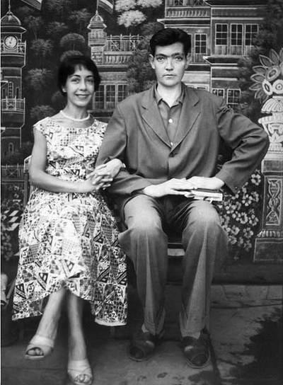 Aurora Bernárdez y Julio Cortázar, en un viaje a India en 1956.