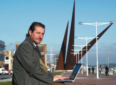 Víctor Solla, responsable del proyecto Wi-Fi en Avilés.