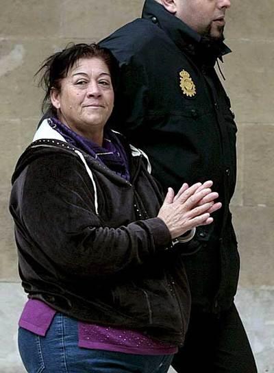 Francisca Cortés,  La Paca,  a su llega al juicio.