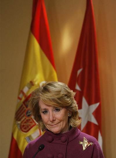 Esperanza Aguirre, ayer cuando anunció los ceses.