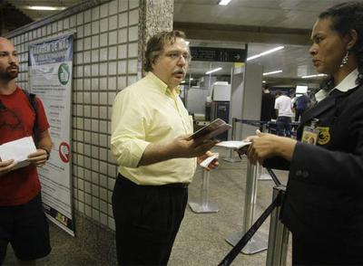 Luis Herrero, a su llegada al aeropuerto de São Paulo