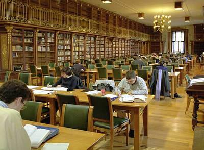 Arist teles es director estrat gico edici n impresa el for Biblioteca iglesia madrid