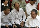 Raúl Castro da un puñetazo en la mesa