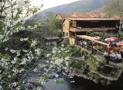La aldea de Bárcena Mayor, en el municipio cántabro de Los Tojos.