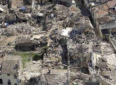 Vista aérea del pueblo de Onna, el más cercano al epicentro del terremoto.