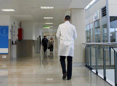 Pasillos del hospital del Henares, en Coslada.