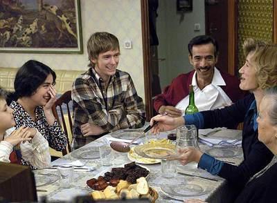Imagen de la familia Alcántara, protagonista de la teleserie de TVE 'Cuéntame cómo pasó', prototipo de la clase media española durante la transición.