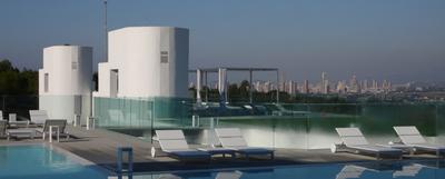 Piscina de SHA Wellness Clinic, en L'Alfàs del Pi (Alicante).