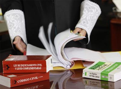 Las leyes son interpretables y permiten que en casos similares haya sentencias distintas que afectan a la ciudadanía.