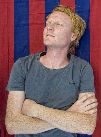 Lars Lindquist es un fanático del fútbol y de la música.
