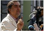 El principal rival de Karzai acusa al Gobierno de robar los comicios